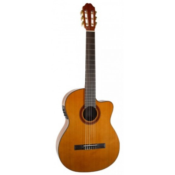 MCG40CEQ Classical Guitar with Pickup