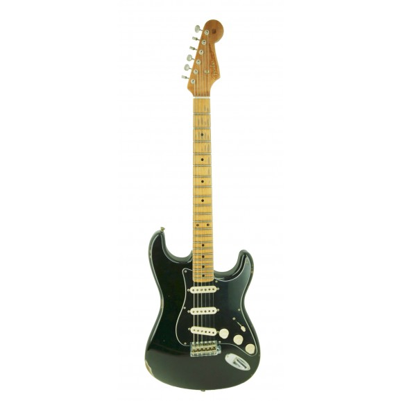 Fender CS 58' Relic Stratocaster in Black with White Pickups